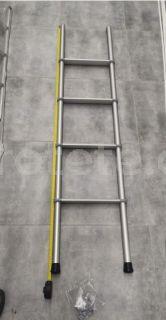 Escalera 4 escalones 150 cm Fiamma Deluxe 4B para litera 0